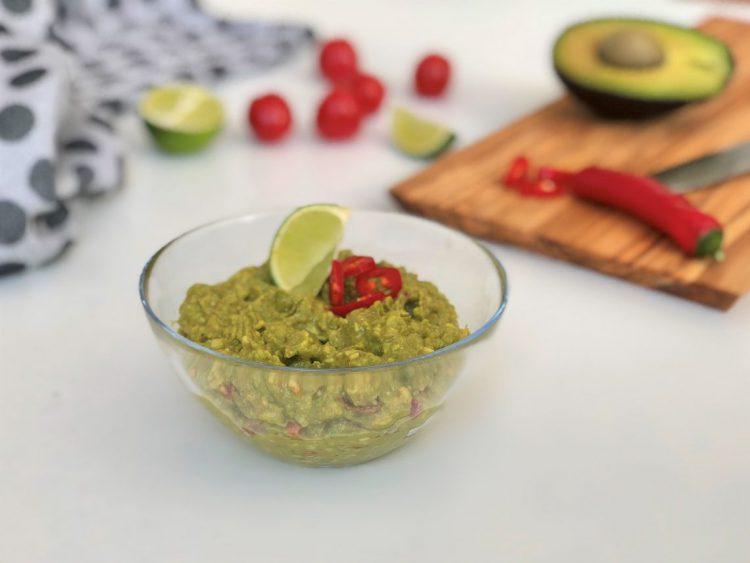 Guacamole-köstlicher-mexikanischer-Avocado-dip-foodblog-kleingenuss.de-rezept
