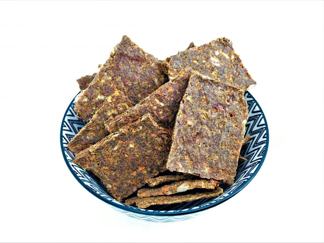 cracker-aus-leinsamen-getreidefrei-glutenfrei-low carb-paleo-ketogen-kleingenuss.de