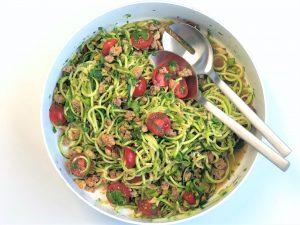 Asiatische-Zucchininudel-Salat-mit-Hackfleisch-kleingenuss-foodblog