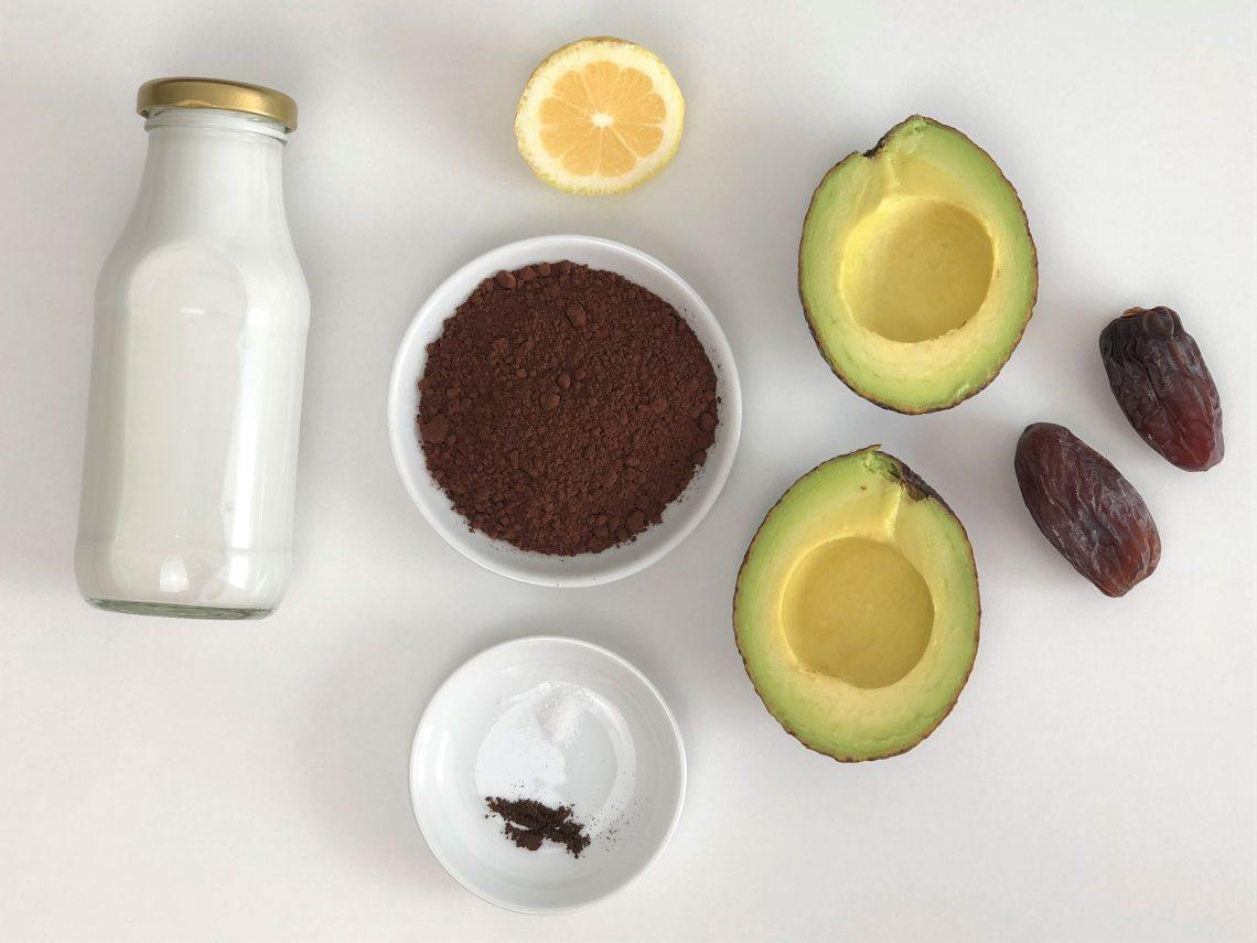 Köstlicher Schokopudding mit Avocado -gesund, vegan, paleo, zuckerarm, wenige Zutaten, kleingenuss.de, foodblog, rezept
