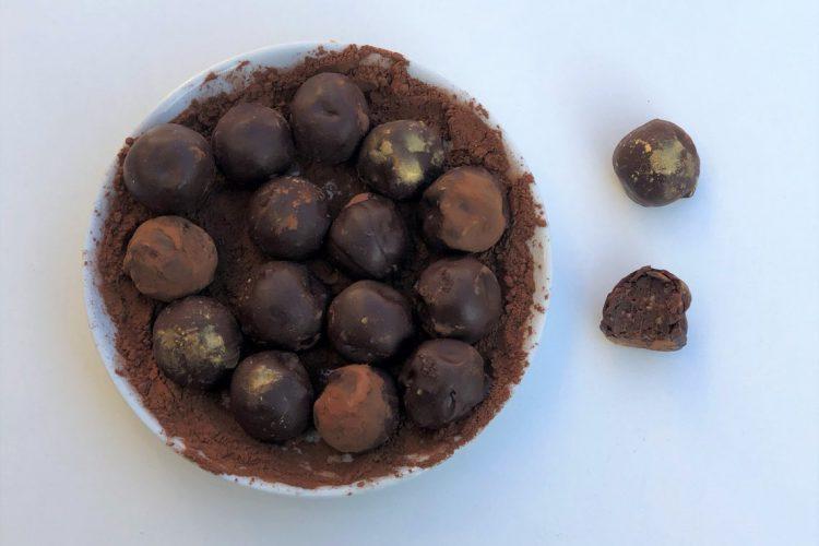 Lebkuchen-Schokoladen-Trüffel-gesunde-Süssigkeit-paleo-vegan-roh-köstlich-foodblog-rezept-kleingenuss
