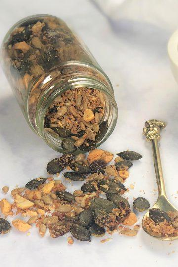 Granola-ohne Getreide-ohne Zucker-paleo-vegan-knuspermüsli-gesund-einfach-schnell-frühstücksrezept-kleingenuss.de-rezept