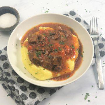 Gulasch-Rinderragout-Schmorgericht-Schnellkochtopf-instant pot-Rindfleisch-Karotten-Paprika-Zwiebeln-einfach-schnell-köstlich-beefstew