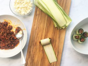 Zucchini-Cannelloni-Low-carb-Rezept-ohne-Getreide-getreidefrei-ketogen-Auflauf-Tomatensauce-Hackfleisch-italienisch