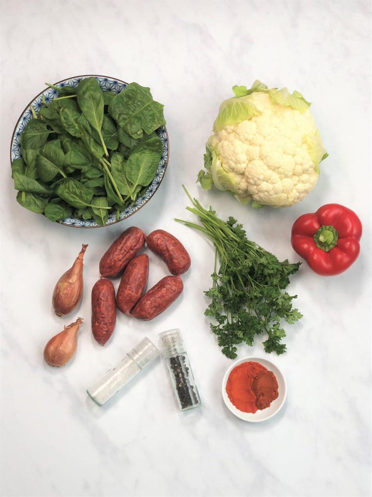 Blumenkohl,Blumenkohlreis, lowcarb, keto, paleo, kalorienarm, kohlenhydratarm, Alternative, Diät, gesund, gesunde Ernährung, glutenfrei, einfach, schnell, vielseitig, kleingenuss, rezept, diät, chorizo, Reispfanne, Pfannengericht, deftig, würzig, lunchbox, zum Mitnehmen, einfache Zubereitung, schnelle Zubereitung