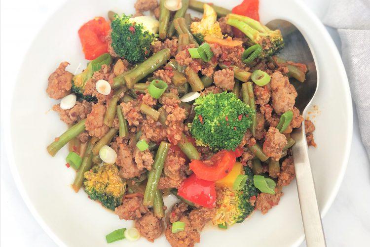 Rezept-Hackfleisch-Gemüse-Pfanne-low carb-keto-ketogene Ernährung-Bohnen-Brokkoli-Paprika-gesund-paleo-glutenfrei-schnell-einfach-abendessen