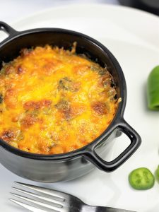 Mexikanisch, Gratin, Low carb Auflauf, Auflauf, Auflauf mit Hackfleisch, lowcarb, keto, kohlenhydratarm, Alternative, Diät, gesund, gesunde Ernährung, glutenfrei, einfach, schnell, vielseitig, kleingenuss, rezept, diät, Hackfleisch, Spinat, mit Käse überbacken, deftig, würzig, lunchbox, zum Mitnehmen, einfache Zubereitung, schnelle Zubereitung