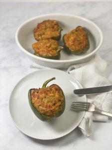 Gefüllte Paprika mit Thunfisch (low carb)-Rezept-low carb-lowcarb-ohne Getreide-getreidefrei-glutenfrei-diät-abnehmen-diät Rezepte-kohlenhydratarme Rezepte-Thunfisch-Tuna Melt-Thunfischfüllung-ketogene Ernährung-keto-Fischgericht-low carb rezept-schnell-einfach-köstlich-für Gäste-keto diät-ketogene diät-aus dem Ofen-aus dem Backofen-saftig-gefüllte Paprikaschoten-low carb Ofengericht-keto Ofengericht-Paprika-gefüllte Paprika-gesunde Fette-kleingenuss-kleingenuss isst keto-foodblog